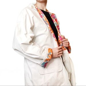 Totes White Colorful Floral Lined Hooded Raincoat